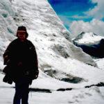 Här syns jag bara som en silhuett, men jag tar med bilden för att det är det högst belägna ställe jag vandrat upp till, en bit över 5000 meter över havet i Huayna Potosi, Bolivia.