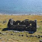 Den bäst bevarade ruinen från nordbornas tid i Grönland härrör från kyrkan i Hvalsey (valön), där den sista dokumenterade händelsen är ett bröllop 1408.