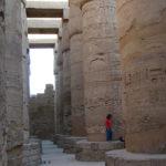 Karnaktemplet i det forna Thebe, i dag Luxor, berättade min historielärare Else Strömsnäs om i Jakobstads samlyceum. Tyvärr klarar jag inte att tyda tecknen på pelarna.