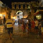En ny sport verkar vara att leta upp inspelningsmiljöerna för Game of Thrones. Den antika miljön i Split, Kroatien, ger många napp. Särskild känsla att bo på hotell innanför kejsar Diocletianus palatsmurar.