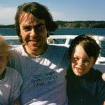 Till de vackraste av skärgårdar hör den utanför Stockholm. Här är jag på tur till Utö med två av mina barn.