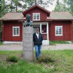 Här i hjärtat av Värmland föddes Lars Magnus Ericsson. Lars Liljestrand är guide på platsen.