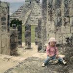 Grymheternas huvudstad, om man ska tro alla de berättelser som finns om denna maya- och itzástad på Yucatan, Mexiko, utsedd till ett av världens sju nya underverk. Min dotter vid de tusen själarnas hall.