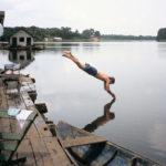 Här gavs en intensivkurs om Amazonas av bästa tänkbara lärare, Gerry Hardy, indian med brittisk far. El fanns inte, login bestod av en hängmatta på en flutuante (husbåt). Ligger 120 kilometer söderut från Manaus, nås med båt längs Rio Mamori och Rio Juma.