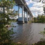 """Dagens bro över Kivisillansalmi (""""Stenbrosundet"""") väster om Viborg, numera Ryssland, där infanteriregementet IR61 den 22-25 juni 1944 stod emot den ryska offensiven. Min far fanns med som artillerist vid ett fäste knappt en kilometer norrut."""