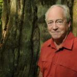Patrick Moore deltog i Greenpeaces första expedition 1971, den som fick president Nixon att avsluta USA:s vätebombsprover, och var sedan en förgrundsgestalt i organisationen till sitt avhopp 1986. Jag intervjuade honom på hans hemmaplan i Vancouver, Kanada. Foto: Dominic Schaefer.